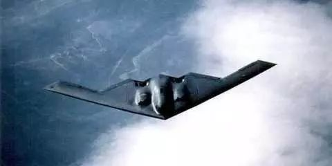 大批B2战机密集升空 美:向全球发出明确信号